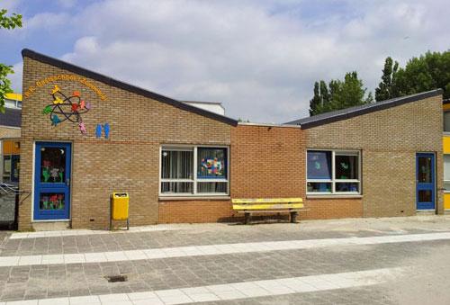zonnewiel_almere_schoolgebouw_crop